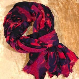 ✨ ANN TAYLOR ✨ Oblong Floral Scarf / Wrap.